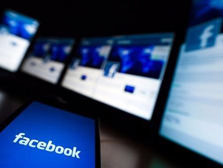 Социальная сеть Facebook оштрафовали заобман при закупке WhatsApp