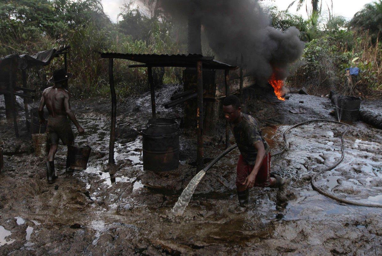 ВНигерии активисты захватили крупный нефтеперерабатывающий завод
