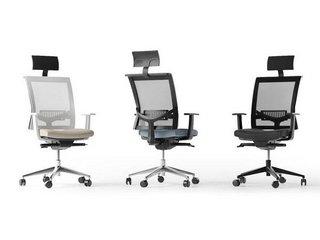 сетчатые кресла руководителей